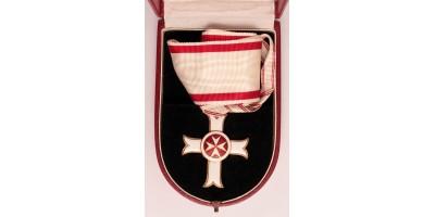 Szuverén Máltai Lovagrend Érdemrendjének Parancsnoki Keresztje, dobozában