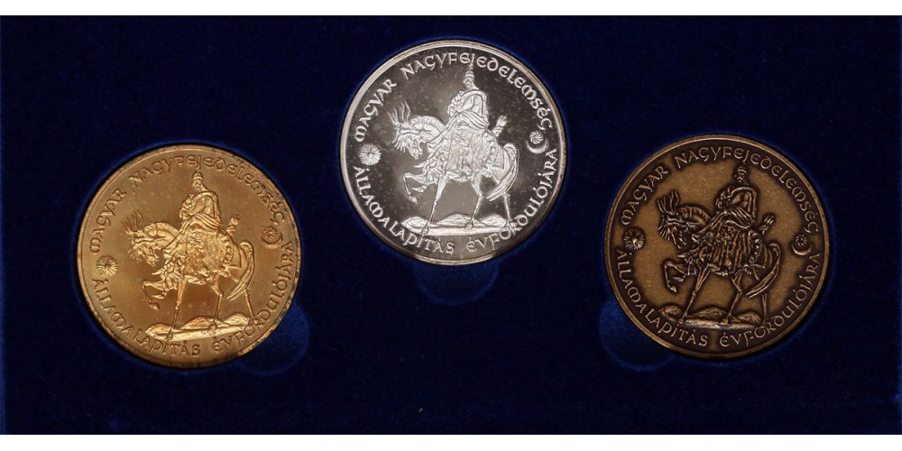 A magyar államiság kezdete ezüst, bronz és aranyozott érmek