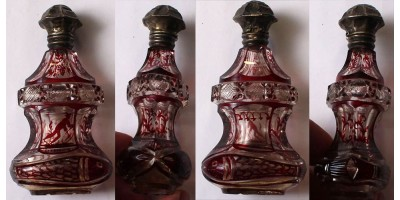 Cseh biedermeier illatszeres üveg 19. század