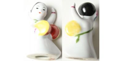 Koreai női dobos porcelán szobrocska 20. század közepe