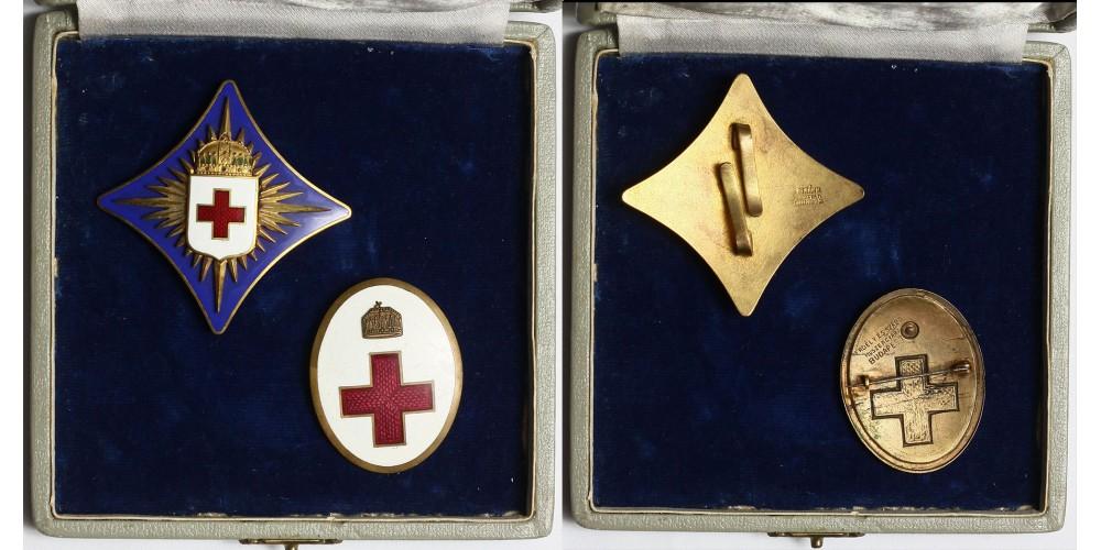 Magyar Vöröskereszt Díszjelvénye + Ápolónő jelvény